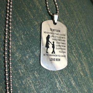 Jewelry - ♡♡3/$15 Mom to Son Dog Tag Necklace